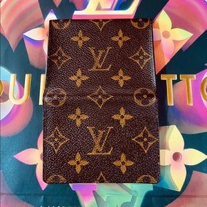 🎱🎱🎱Louis Vuitton Card Holder in Monogram
